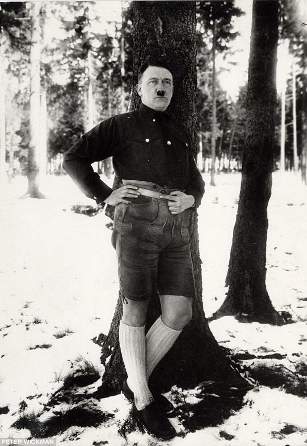 Hitler pantalón corto