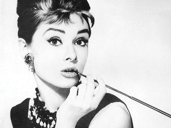 """La Chica No Diva: Audrey Hepburn"""