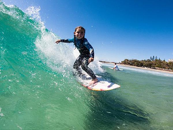 La surfer de 6 años