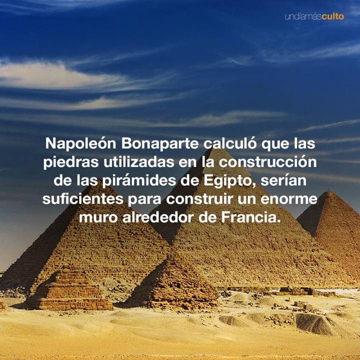Napoleón y pirámides