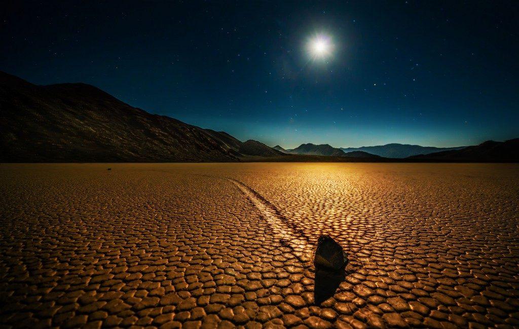 El misterio de las piedras móviles