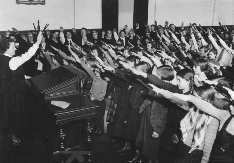 Reichsgründungsfeier in der 5. Volksschule in der Alten Jakobstraße, 2085-34