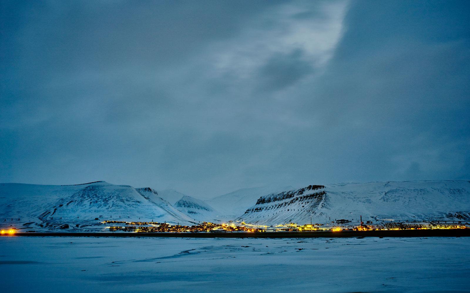 Longyearbyen-Svalbard-Norway-ARTICART0216