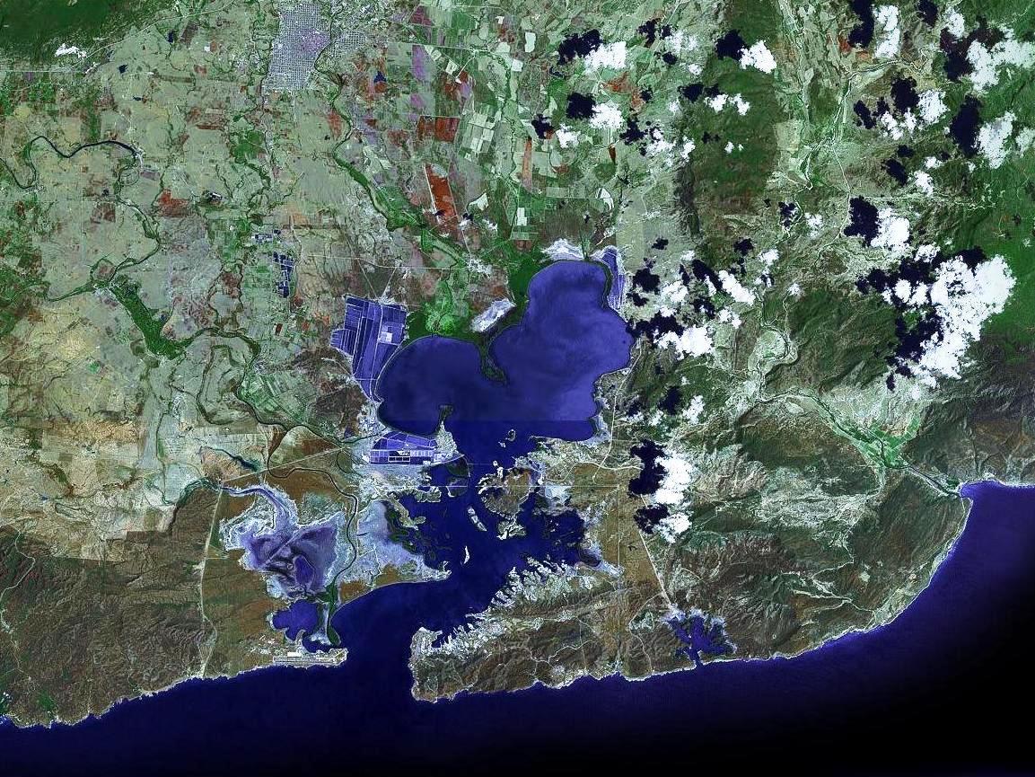 Guantanamo_bay_satellite_image