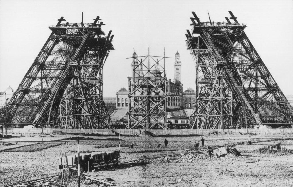 La monstruosa torre Eiffel