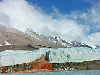 Glaciares sangrientos