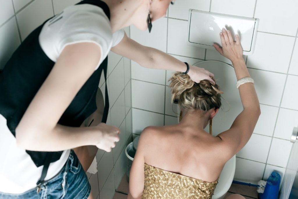 ¿Por qué el exceso de alcohol nos hace vomitar?