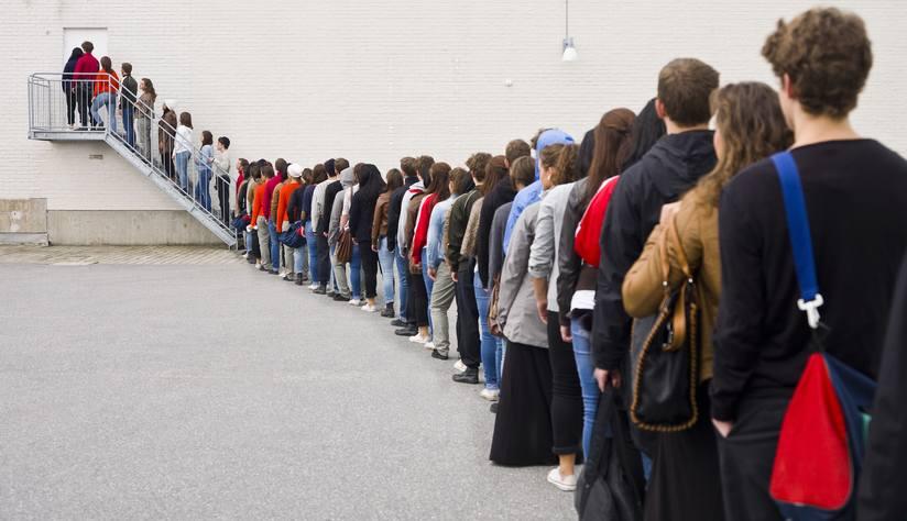 La psicología detrás de hacer fila